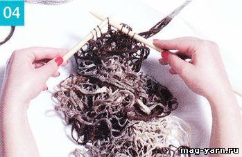 Для вывязывания длинного шарфа используйте моток за мотком, связывая все петли каждого мотка.